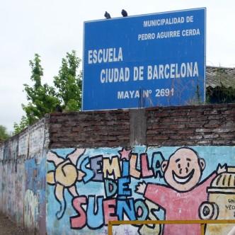 Entrada de la Escuela Ciudad de Barcelona a Santiago de Xile